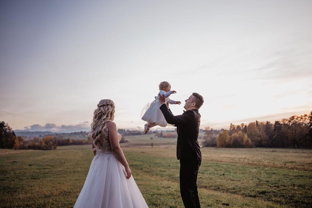 Sesja ślubna z dzieckiem