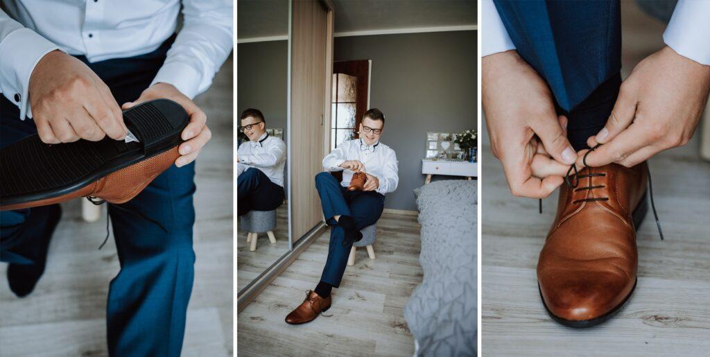 Pan młody zakłada buty ślubne.