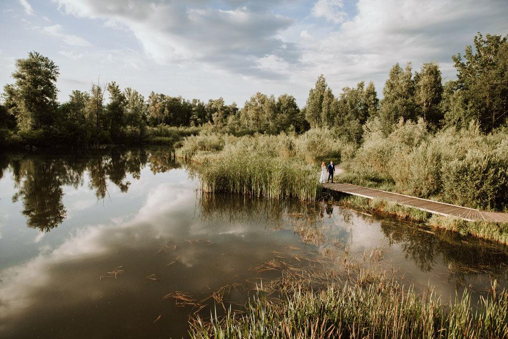 Bobrowisko stawy przed Starym Sączu miejscem na plener ślubny.