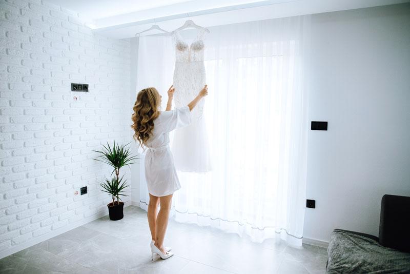 Przygotowania ślubne w domu u Panny Młodej