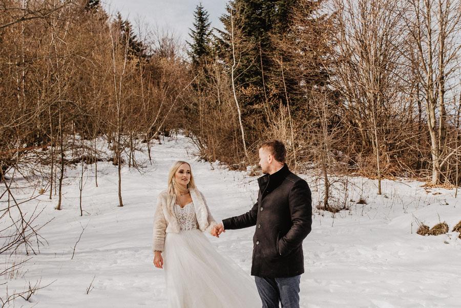 śnieg, las plener ślubny