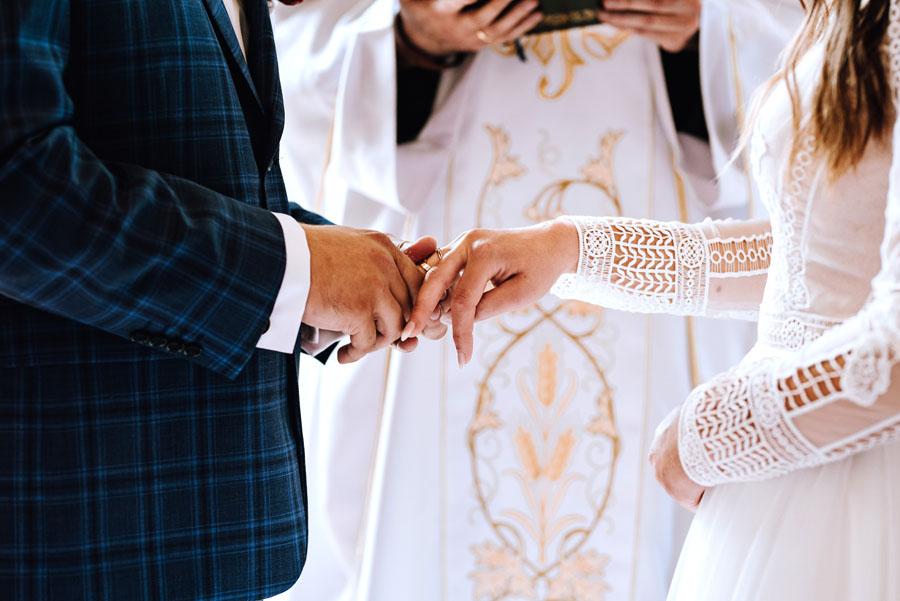 zakładanie obrączek ślub jednostronny