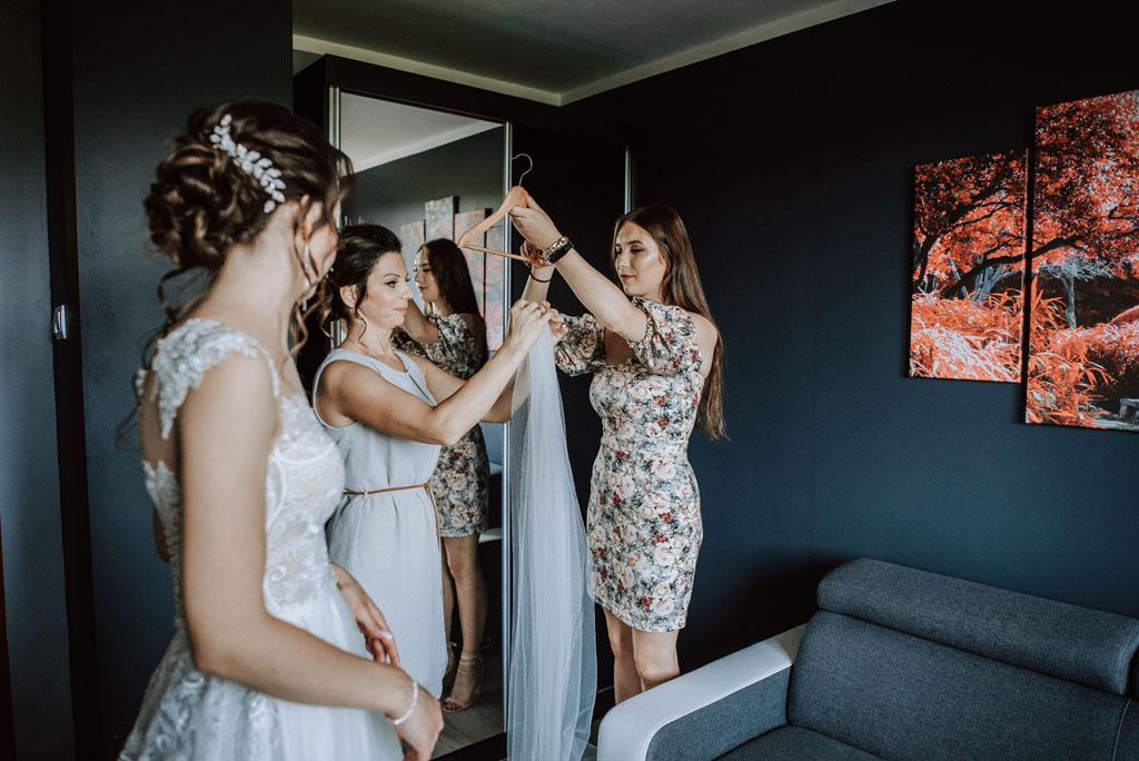przygotowania do ślubu panny młodej