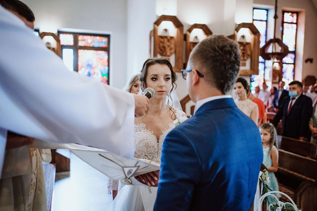 Ślub w kościele w Michalczowej - przysięga małżenska