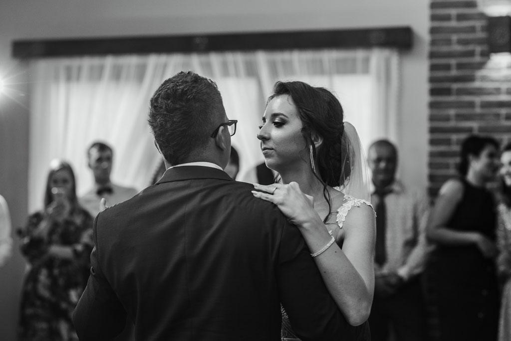 Sala weselna w Żmiącej przy Młynie -  Ujanowice - pierwszy taniec