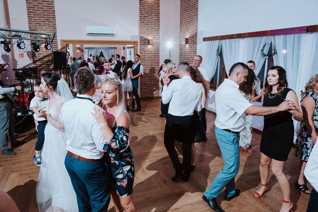 Sala weselna w Żmiącej przy Młynie -  Ujanowice