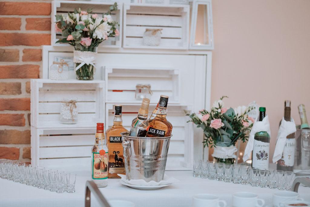 Sala weselna w Żmiącej przy Młynie -  Ujanowice - alkohol
